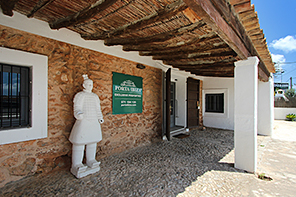 Porta Ibiza, Minimal House & Art S.L.