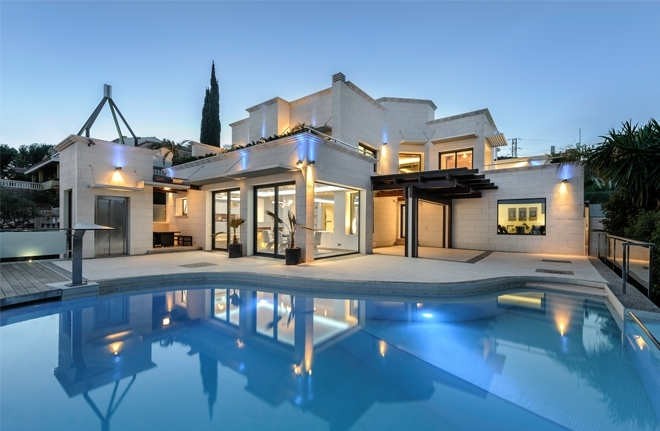 The number of available luxury properties in Majorca rose in 2016.