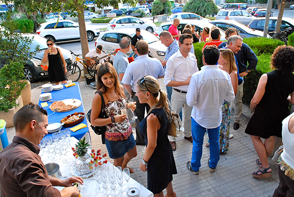 Around 100 guests attended the opening of Porta Mallorquina in Pollensa.