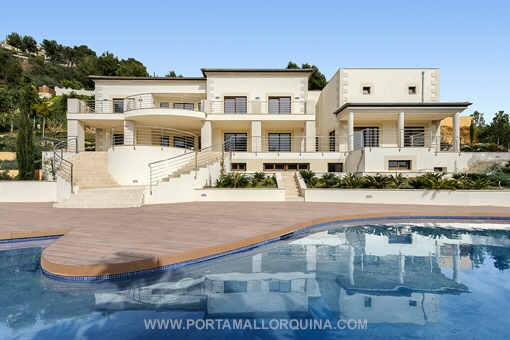 Capital investors are increasingly focusing on foreign properties – in 2014 already one in three properties sold in the Balearics was bought by a non-resident.